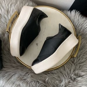 Shoes - Barneys platform sneakers shoes slip on size 7